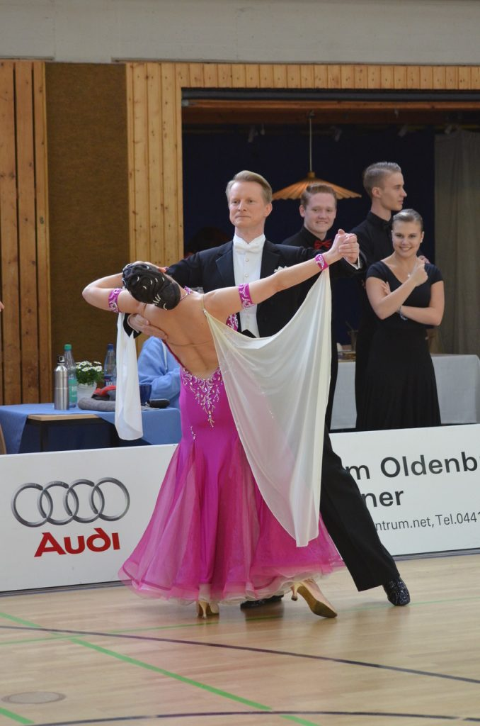 tanz in den mai oldenburg
